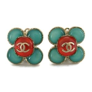 CHANEL A16C CC COLOR STONE FLOWER CLOVER EARRINGS